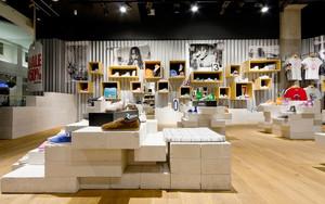100平米现代简约风格鞋店设计装修效果图
