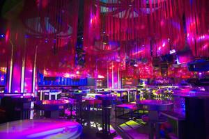 现代风格时尚音乐酒吧装修效果图赏析