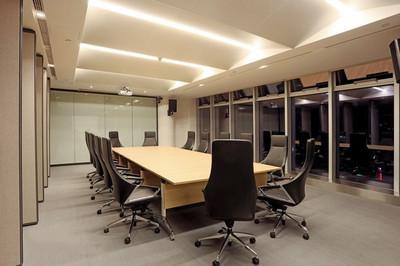 现代风格小型会议室装修实景图