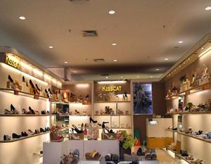 小型女鞋店装修效果图