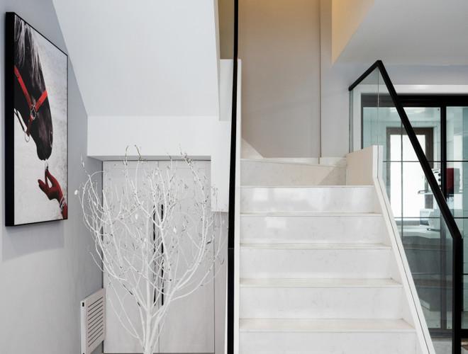 简单现代风格复式楼梯装修效果图