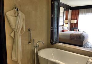 东南亚风格浴缸装修效果图