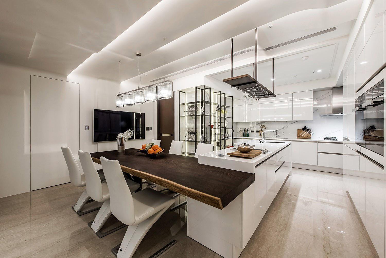 别墅豪华西式敞开式厨房装修效果图