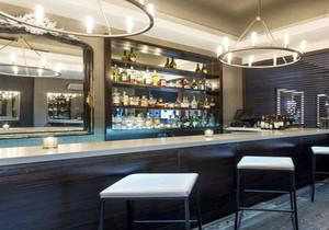 酒吧的吧台装修效果图,主题小酒吧装修风格图片