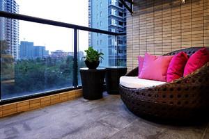 别墅的大卧室带阳台装修效果图