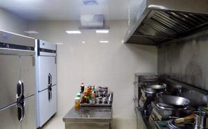 饭店厨房小怎么设计,饭店小厨房设计效果图