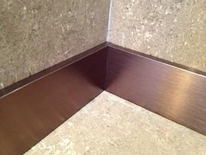 踢脚线与地砖门的搭配图,铝合金踢脚线与地砖搭配图