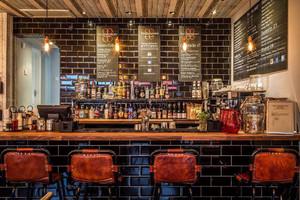 小巷小酒吧betway必威体育app官网风格图片,50平方小酒吧的betway必威体育app官网风格图片