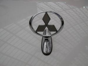三菱汽车标志是什么样的,三菱汽车标志图片大全高清