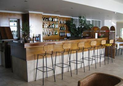 小酒吧的吧台装修效果图,小户型酒吧吧台装修效果图