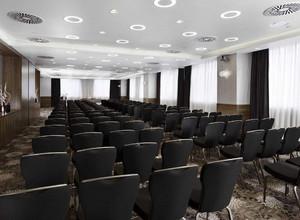 视频会议室吊顶效果图,公安视频会议室效果图