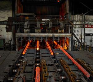 新型炼钢厂房平面布局图