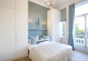 卧室窄窗台装修效果图