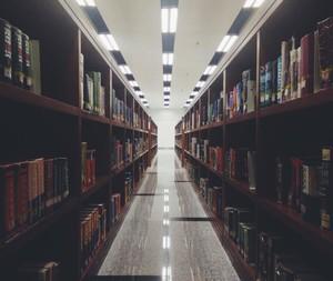 学校图书馆走廊装修效果图