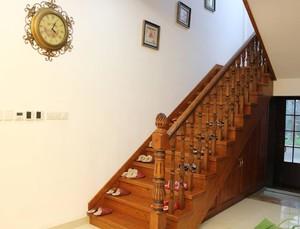 柚木色樓梯效果圖