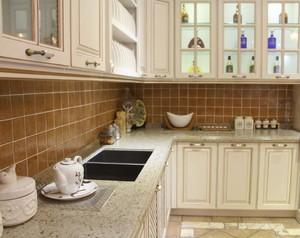 100平方三居室田園風格廚房擋水條效果圖