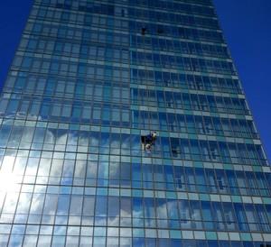 2500平寫字樓玻璃幕墻片裝修效果圖