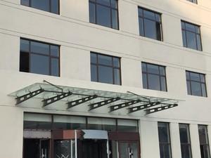 1500平写字楼玻璃雨棚装修效果图