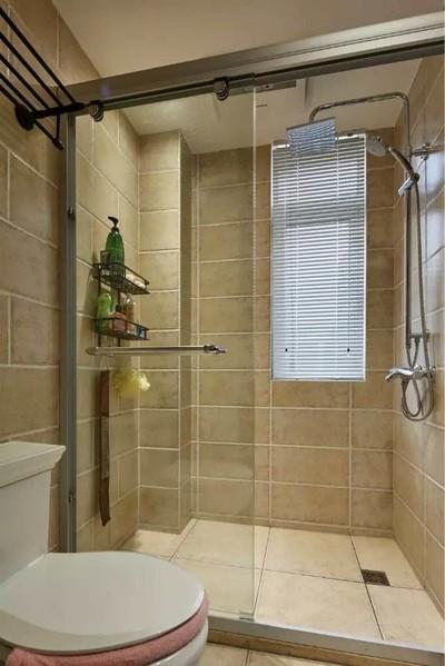 4平米卫生间玻璃浴室装修效果图