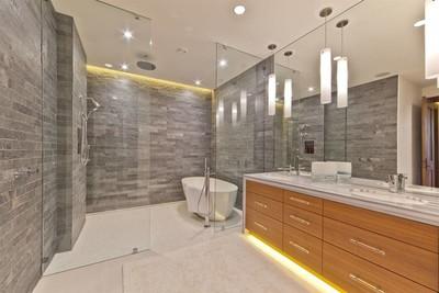 20平米卫生间玻璃浴室装修效果图
