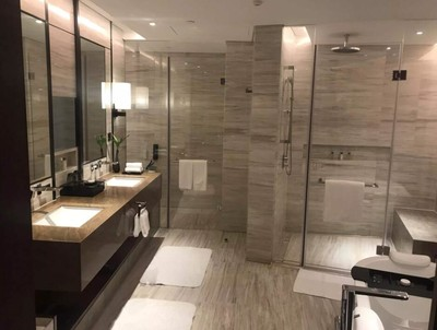 54平米现代风格宾馆卫生间吊顶装修效果图