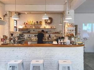 45平米小型咖啡厅平面装修效果图