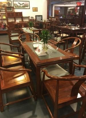 高檔紅木餐桌家具店裝修效果圖