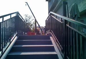 工廠頂樓鋼架樓梯裝修效果圖
