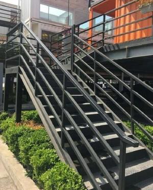 大型國有企業工廠鋼架樓梯裝修效果圖
