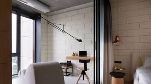 160平米别墅主卧阳台门装修效果图