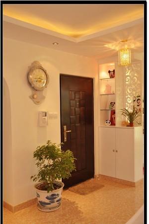 一居室現代輕奢家庭玄關吊頂裝修效果圖