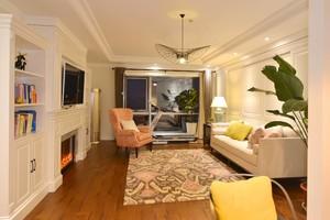 100平三居室现代美式风格客厅硬包背景墙装修效果图