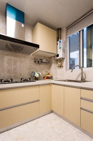 60平米房子香槟色橱柜门装修效果图
