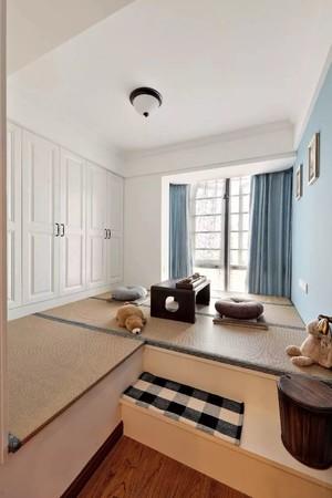 一居室現代港式主臥榻榻米床柜飄窗一體效果圖
