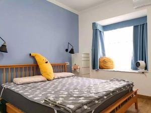 125平米臥室現代簡約飄窗窗簾裝修效果圖