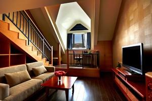 168平米現代風格頂層復式樓裝修效果圖