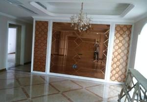 94平簡歐風格客廳藝術玻璃背景墻裝修效果圖