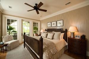 130平米美式风格两室一厅卧室阳台隔断门装修效果图