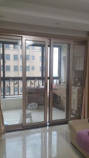 90平米现代风格两室一厅阳台玻璃门隔断装修效果图
