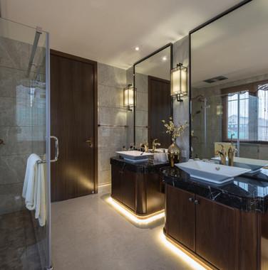 跃层别墅新中式主卧洗手间装修效果图