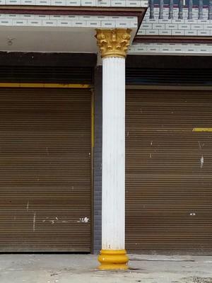 簡約歐式風格外墻羅馬柱顏色裝修效果圖
