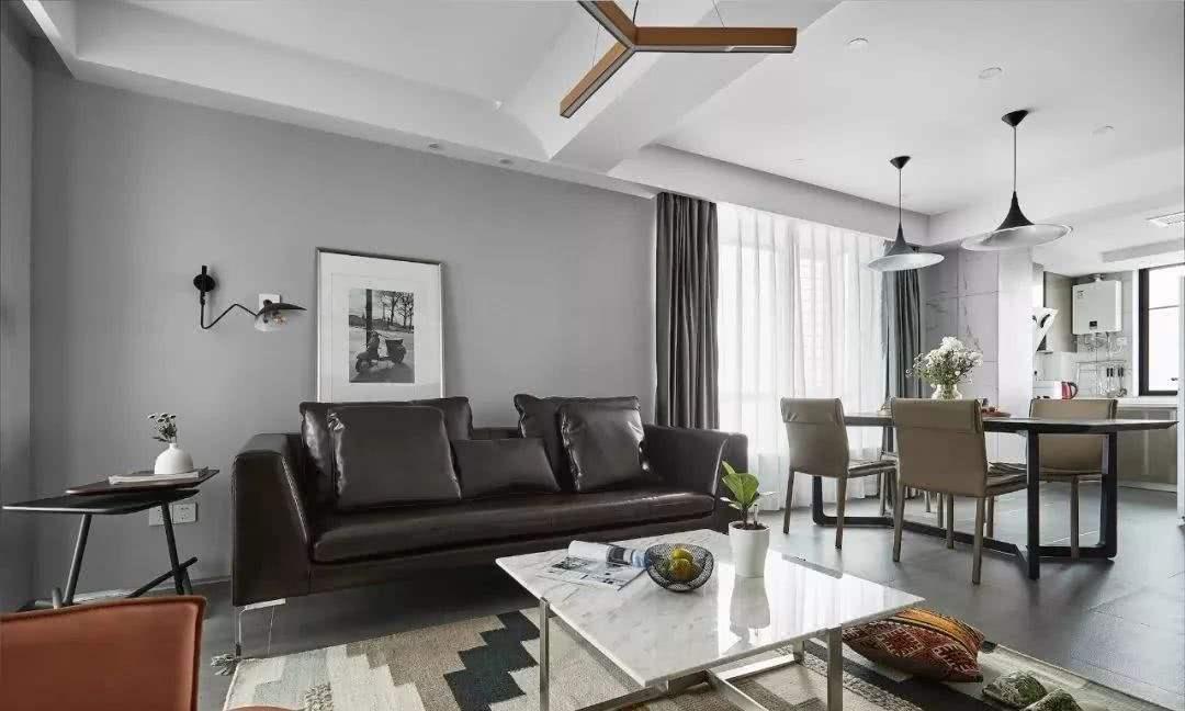 85平方房子简约美式风格客厅横梁吊顶装修效果图