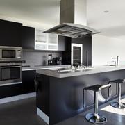 廚房現代墻面復式裝修