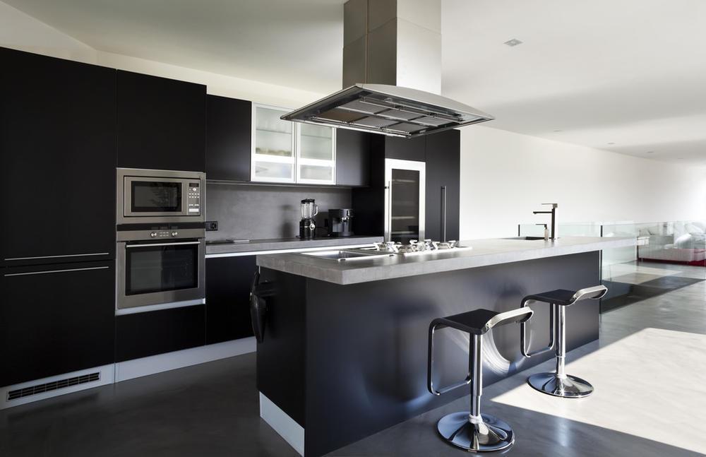 復式黑白配廚房裝修效果圖