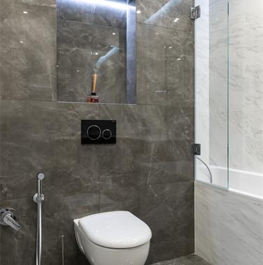 112平米三居室卫生间墙面装修设计图