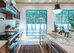 別墅一樓現代混搭風格廚房設計圖片