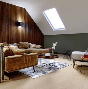 三居室现代风格客厅窗台设计效果图片