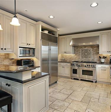 别墅一楼简欧风格厨房岛台设计