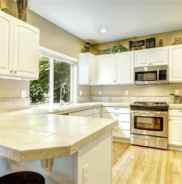 130平简约风格厨房效果图