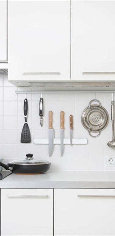 小户型纯白色小清新风格厨房设计图片